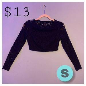 I'm selling a beautiful black blouse / top